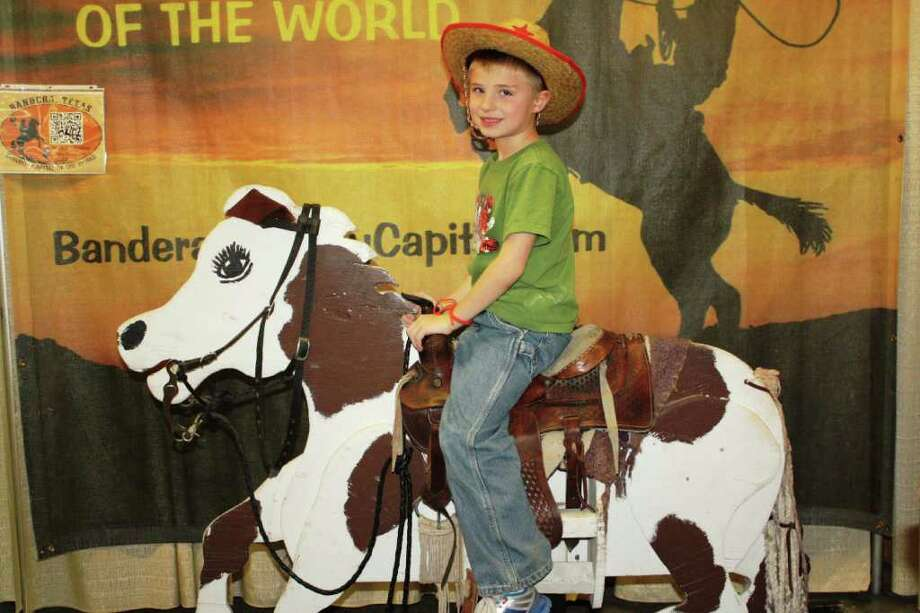 San Antonio Stock Show & Rodeo – Sunday, February 19, 2012 Rodeo Pictures Photo: Express-News