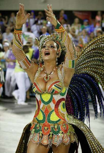 Queen of the Imperatriz samba school Luiza Brunet dances during carnival celebrations at the Sambadr