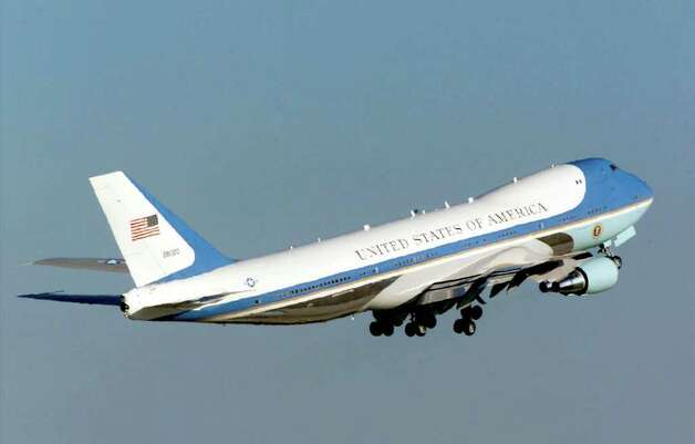 The two current primary presidential aircraft are Boeing 747-200B-based VC-25A jets known as SAM 28000 and 29000 that entered service in 1990. Here, an unspecified one of the jets departs from Andrews Air Force Base in Camp Springs, Md., on March 18, 2000, carrying President Bill Clinton on an eight-day trip to Asia to visit India, Bangladesh and Pakistan. Photo: Mark Wilson, Getty Images / Getty Images North America