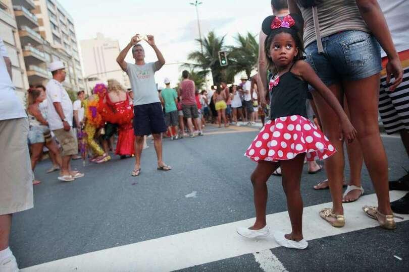RIO DE JANEIRO, BRAZIL - FEBRUARY 18:  Brazilian revelers gather during Carnival celebrations along