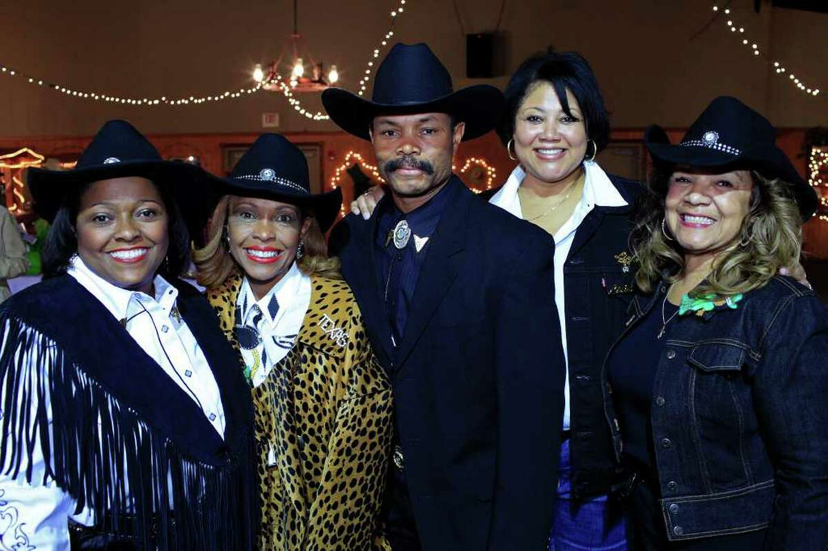 Bonnie Prosser Elder From the left, Bonnie Prosser Elder, Fran Prosser Johnson, Carl Elder, Wynette Hadnott Keller and Rosaland Anderson at the San Antonio Chapter of Links International's Western Gala to benefit their scholarship fund at Pedrotti's North Wind Ranch, Saturday, February 18, 2012 in San Antonio.