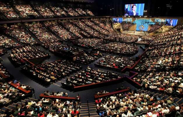 Lakewood Church seats 16,800 people in their central campus, which previously was the Compaq Center.  The Church's pastor Joel Osteen has an international following through television broadcasts and his web site. Photo: Nick De La Torre, Houston Chronicle / © 2010 Houston Chronicle