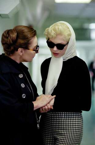 ZOE WANAMAKER and MICHELLE WILLIAMS star in MY WEEK WITH MARILYN Photo: LAURENCE CENDROWICZ / © 2011 THE WEINSTEIN COMPANY