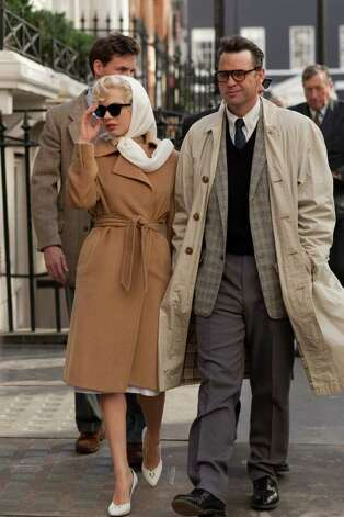 (Front L-R) MICHELLE WILLIAMS and DOUGRAY SCOTT star in MY WEEK WITH MARILYN Photo: LAURENCE CENDROWICZ / © 2011 THE WEINSTEIN COMPANY