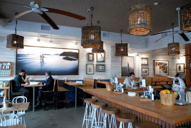 Bartaco evokes mexican beach vibe in downtown stamford for Fish restaurant stamford ct