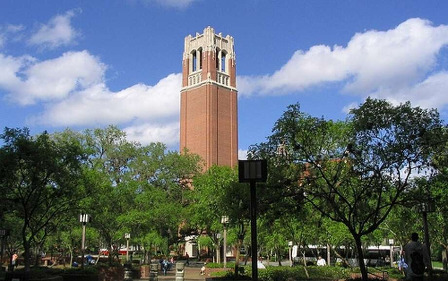 Representing the vigorous energy of the true Gator spirit, University of  Florida for Men is introduced with effervescent top notes of Sparkling  Ozone, Sun-kissed Mandarin and a chilly Iced Mineral Accord.   Mediterranean Lavender intertwined with a Sea Moss Accord and Shaved  Nutmeg comprise the heart, while a Cool Pacific Accord, Deep Amber and  Sensual Musk round out the base creating a fragrance that exemplifies  the vibrant tenacity of the Gators.