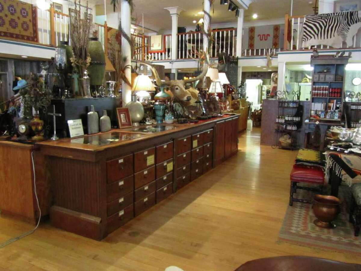 The King Ranch Saddle Shop is located today in the John B. Ragland Mercantile Building, which was built in 1909 and is listed on the National Register of Historic Places.