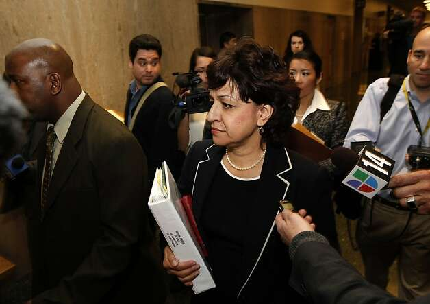 Assistant San Francisco District Attorney, Aguilar Tarchi, makes her way to department 24 for a pre-trial court appearance by San Francisco Sheriff, Ross Mirkarimi  at the Hall of Justice, San Francisco, Ca., on Wednesday Feb. 22 2012. Photo: Michael Macor, SFC