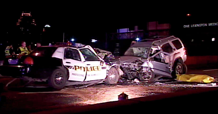 Readers think they have a solution to the carnage and tragedies caused by drunk drivers who head the wrong way on our highways. Photo: File Photo, San Antonio Express-News / HENRY VALDEZ, SPECIAL TO THE EXPRESS-NEWS