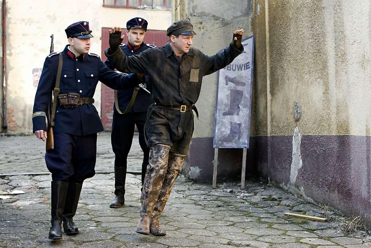 """Robert Wiêckiewicz as Leopold Socha in """"In Darkness."""""""