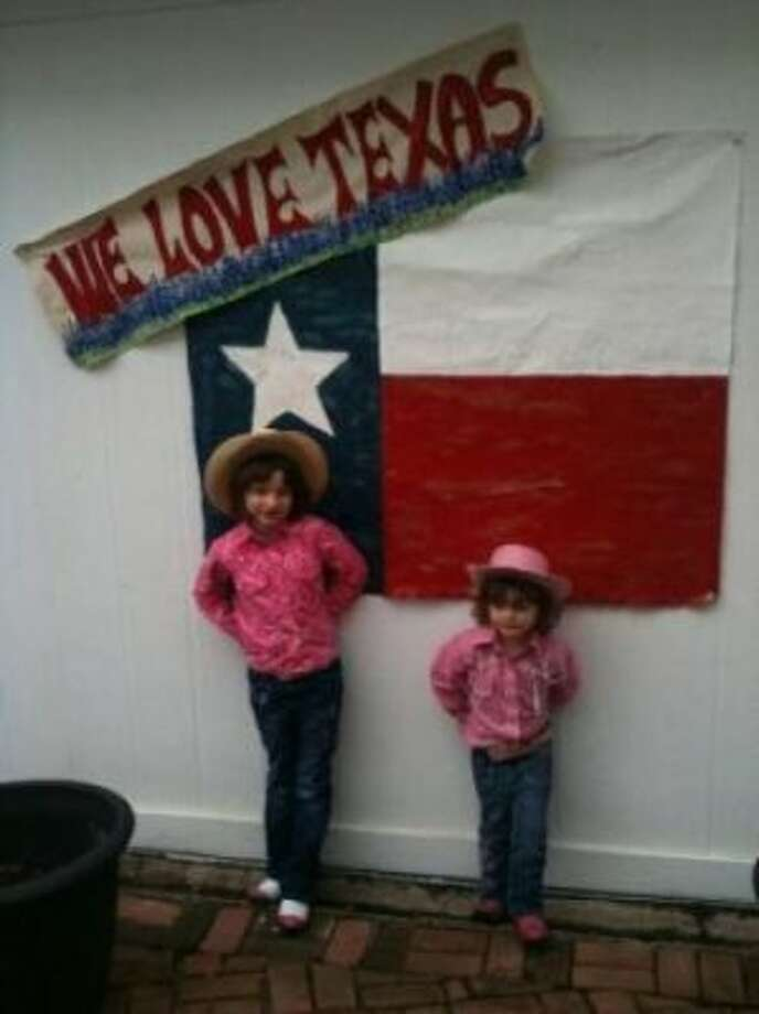 Little Texas Girls (Lhammond13 / chron.com)