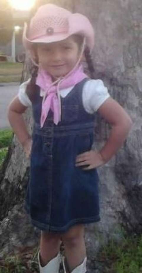 Cowgirl in pink... (Zguajardo / chron.com)
