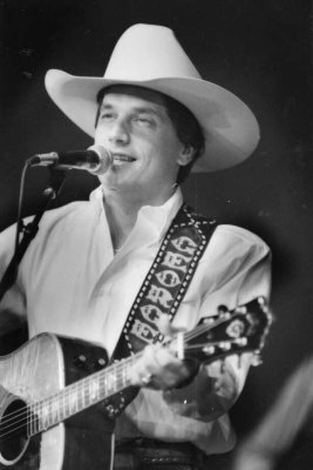 George Strait at the 1987 Houston Livestock Show.