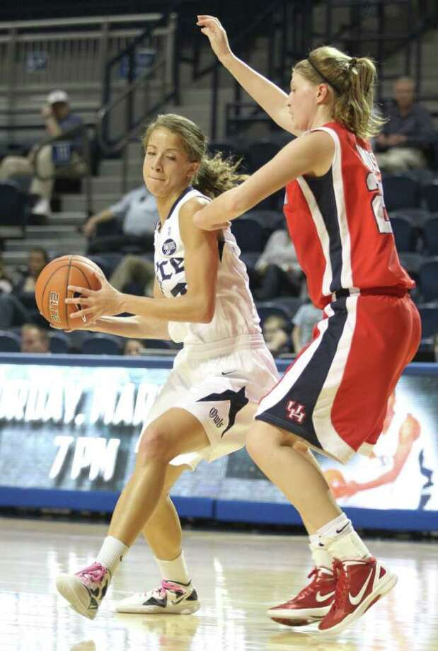 Rice forward Jessica Kuster averaged a double-double for the Owls last season.  (J. Patric Schneider / For the Chronicle) Photo: J. Patric Schneider, For The Chronicle / Houston Chronicle