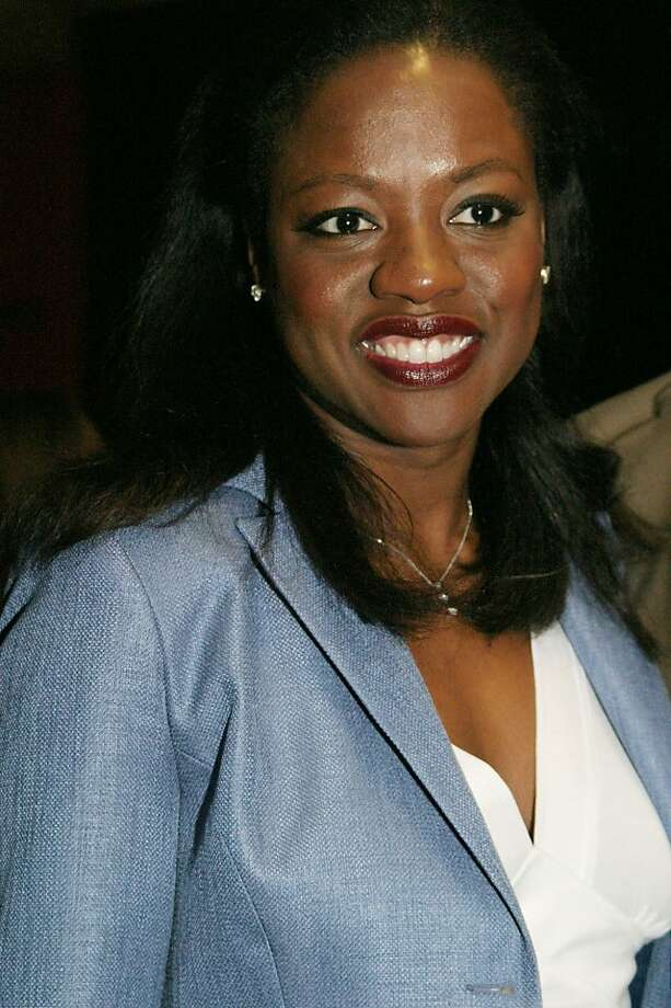 "Viola Davis arrives for the 49th Annual Drama Desk Awards in New York Sunday May 16, 2004. Davis and Phylicia Rashad both received the ""Outstanding Actress in a Play"" award, Davis for her performance in Off-Broadway's ""Intimate Apparel"" and Rashad for her performance in ""A Raisin in the Sun"".(AP Photo/Tina Fineberg) Photo: Tina Fineberg, AP"