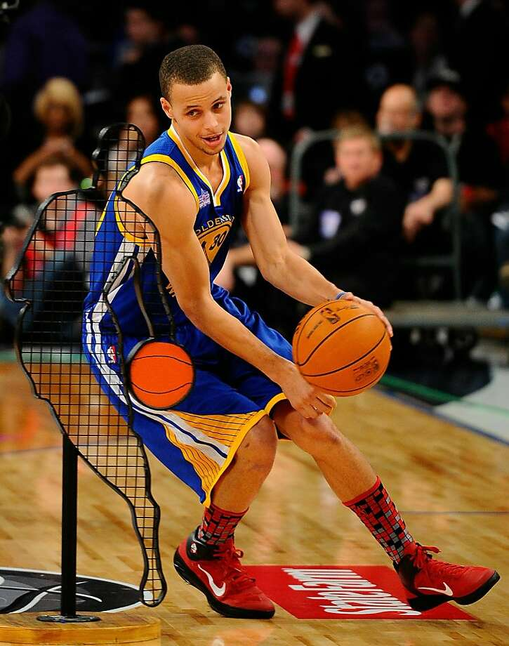 LOS ANGELES, CA - FEBRUARY 19:  Stephen Curry #30 of the Golden State Warriors competes in the Taco Bell Skills Challenge apart of NBA All-Star Saturday Night at Staples Center on February 19, 2011 in Los Angeles, California. Photo: Kevork Djansezian, Getty Images