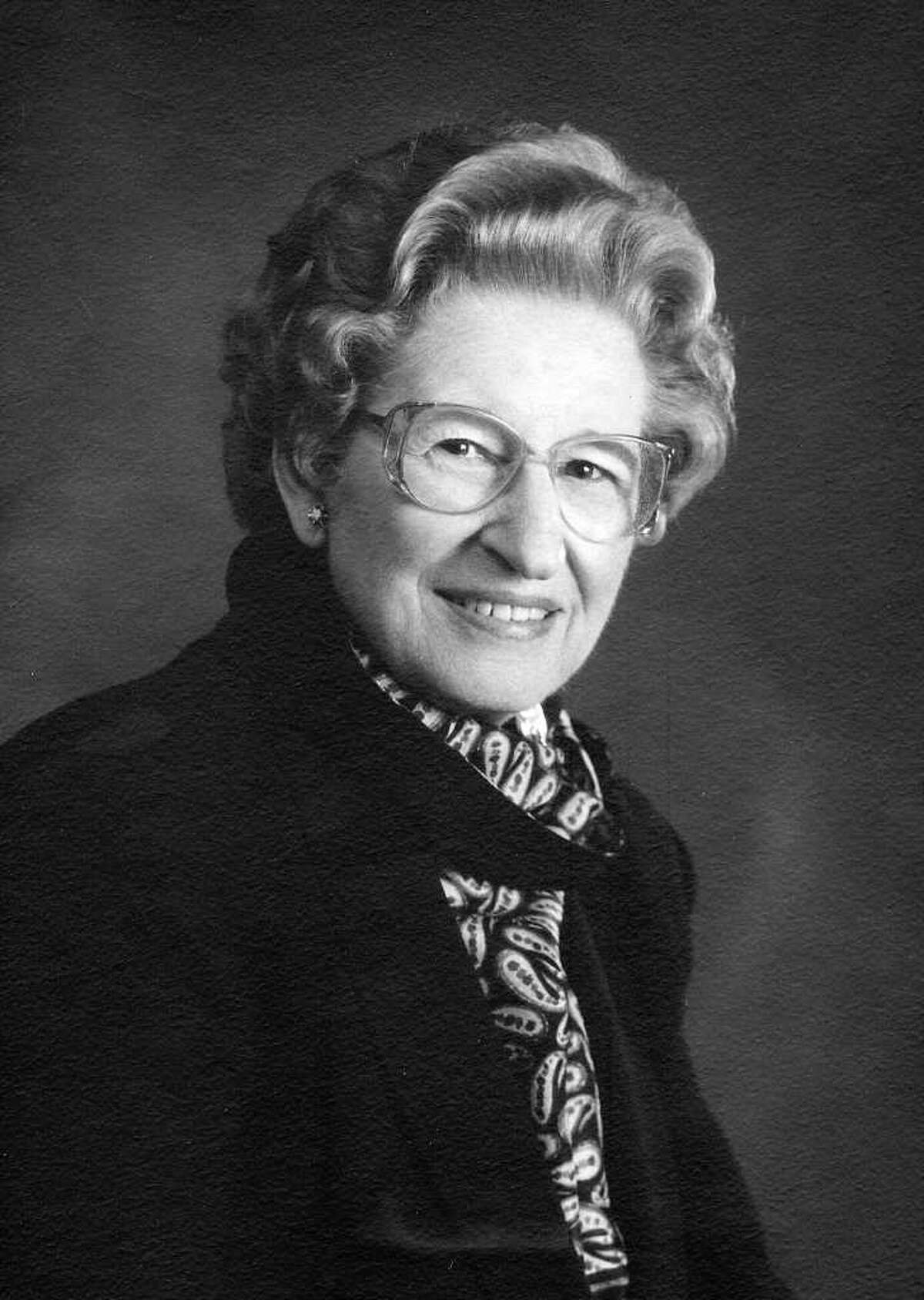 Dr. Edna Myrl (Hughes) Spillar, a leading San Antonio anesthesiologist from the 1960s to the '90s who also became an early diabetes education activist, died Feb. 14 in Austin. Credited with reshaping the practice of anesthesia, Spiller spent more than 50 years in medicine, as both a nurse and a doctor. She was 89.