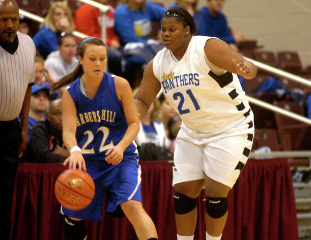 Ozen's Nekia Jones guards Barbers Hill's Makenzi May at the Aldine Campbell Center in Houston, Saturday, February 25, 2012. Tammy McKinley/The Enterprise Photo: TAMMY MCKINLEY