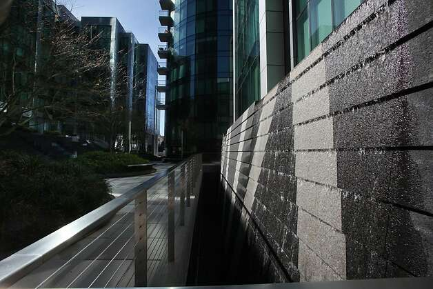 The waterfall at the Courtyard, The Infinity, 300 Spear St.  in San Francisco, Calif., Thursday, February 16, 2011. Photo: Liz Hafalia, The Chronicle