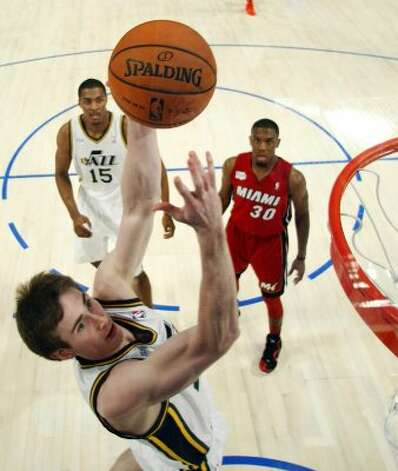 Utah Jazz's Gordon Hayward drives to the basket during the NBA All-Star Rising Stars Challenge basketball game in Orlando, Fla. Friday, Feb. 24, 2012. (AP Photo/Chris O'Meara, Pool) (AP)