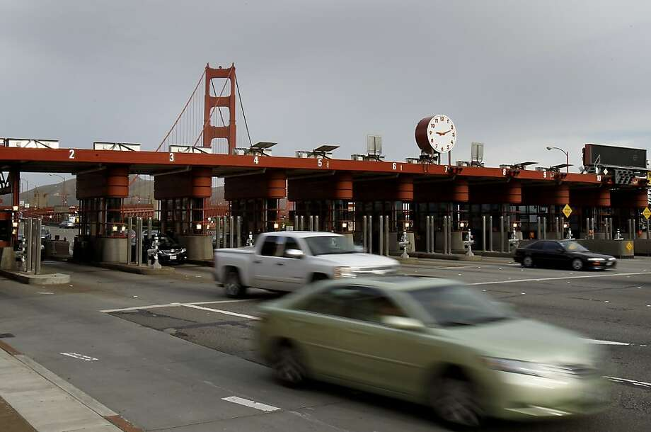 Drivers will have several options to pay the toll on the Golden Gate Bridge when the new all-electronic system is fully implemented in March. Photo: Brant Ward, The Chronicle