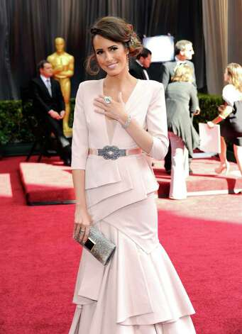 Louise Roe's dusty pink dress was too suit-y for the Oscars. Photo: Ethan Miller, Getty Images / 2012 Getty Images