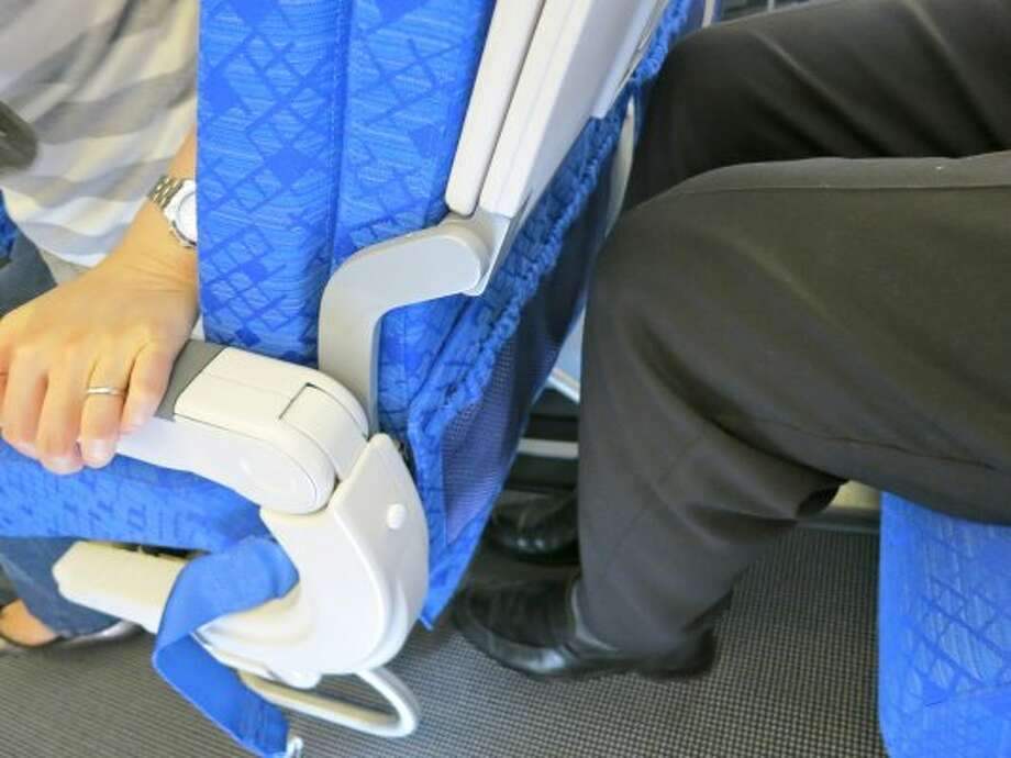 Tiny wars breaking out when passengers reclines seats on crowded planes