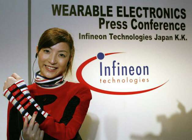 The idea didn't seem any better when German electronic maker Infineon Technologies installed an MP3 player in a sweater in 2002. Photo: TOSHIFIUMI KITAMURA, AFP/Getty Images / AFP