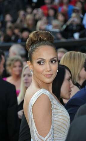 Jennifer Lopez arrives on the red carpet for the 84th Annual Academy Awards on February 26, 2012 in Hollywood, California. AFP PHOTO Joe KLAMAR (Photo credit should read JOE KLAMAR/AFP/Getty Images) (JOE KLAMAR / AFP/Getty Images)