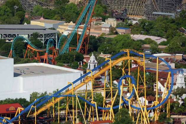 Six Flags Fiesta Texas is set to celebrate its 20th anniversary. The new season opens Saturday. Photo: WILLIAM LUTHER / 2011 SAN ANTONIO EXPRESS-NEWS