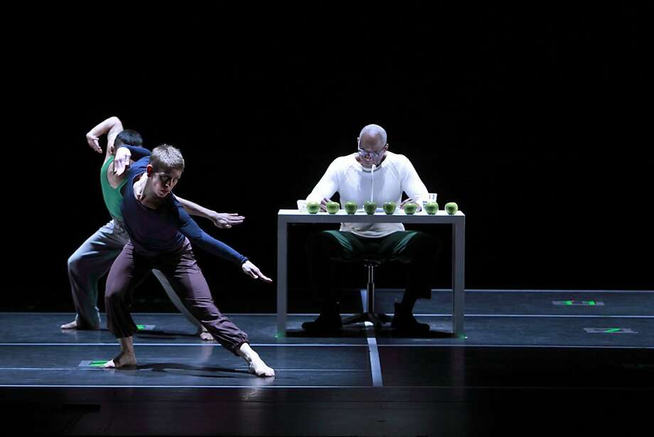 Pictured: Company members of Bill T. Jones/Arnie Zane Dance Company perform Story/Time which is at cal performances febv. 23-26      Credit: Paul B Goode Photo: Paul B Goode