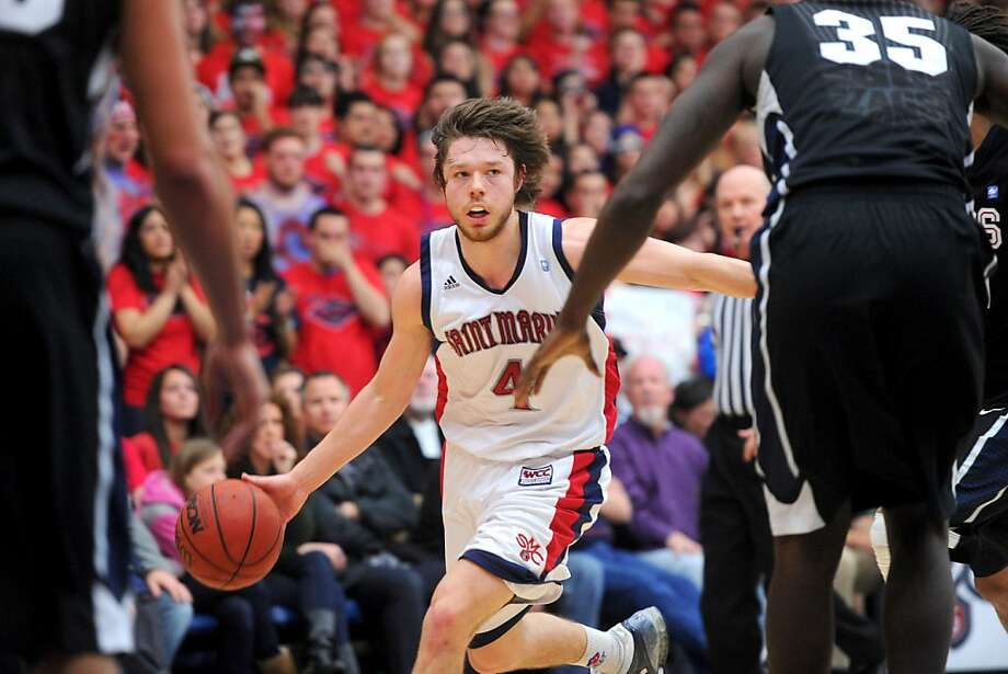 St. Mary's Gaels' Matthew Dellavedova dribbles against the Gonzaga Bulldogs' during a game Thursday, Feb. 24, 2011, in Morago, Calif. Photo: Noah Berger, Special To The Chronicle