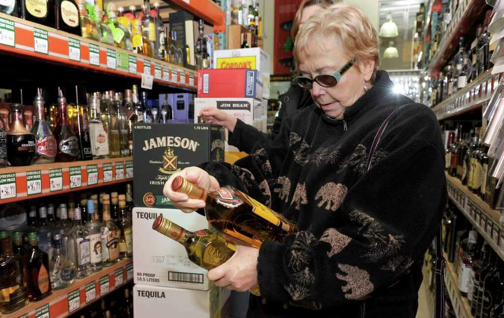 are liquor stores open on christmas eve in indiana