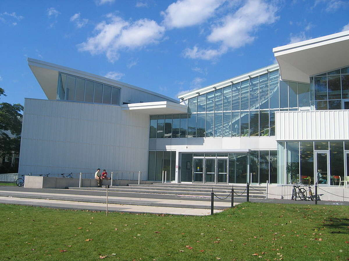 Photograph of Smith College campus center, Sept. 14, 2004. Photo by Jared C. Benedict via Wikipedia.