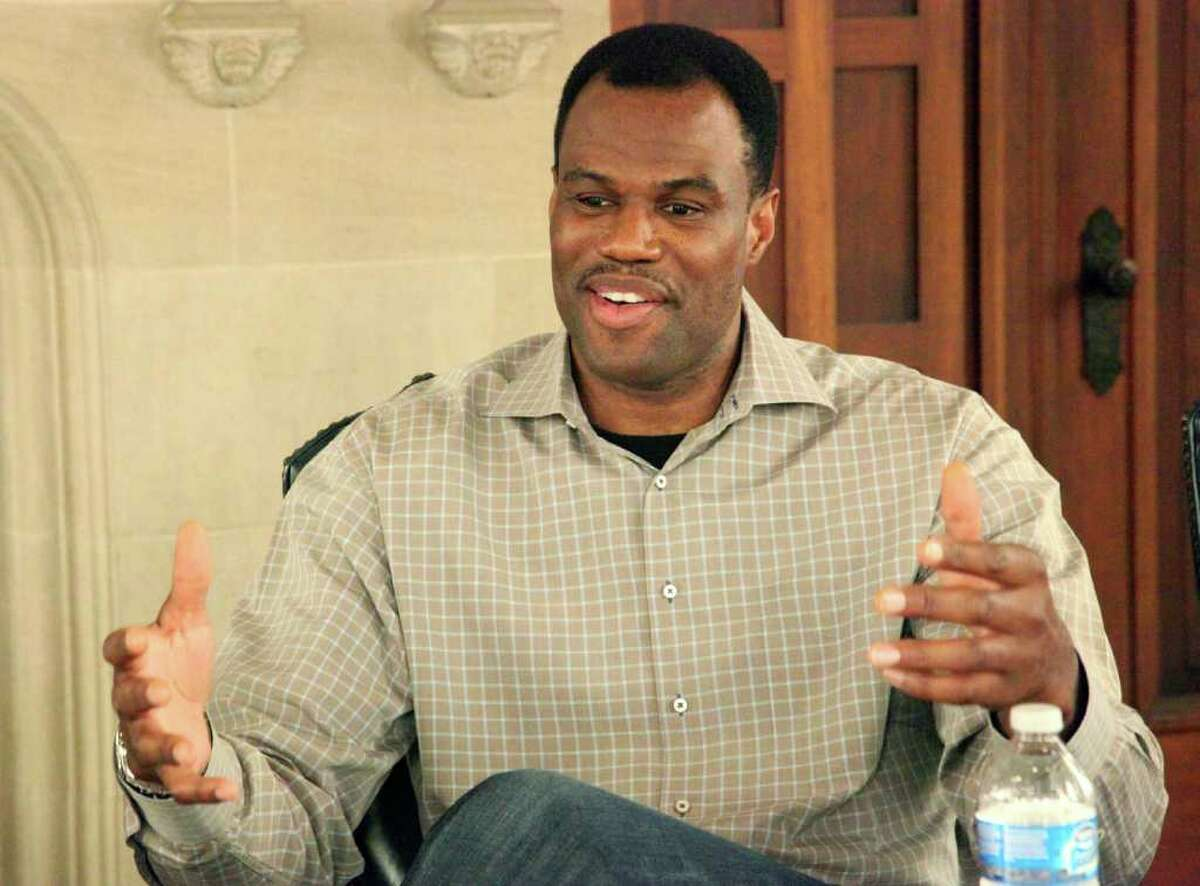 Former Spurs player and founder of the Carver Academy, David Robinson and with school officials from IDEA Public Schools to announce the charter school's take-over of the private academy. IDEA, which announced plans to launch 20 schools in the city by 2017, may also seek similar partnerships with independent school districts in the coming years.