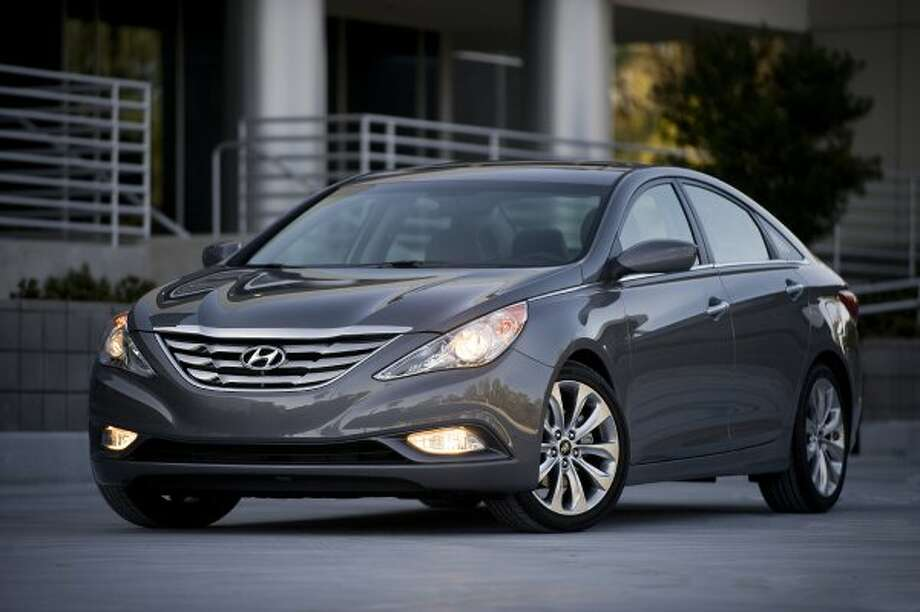 Hyundai Sonata: 28 mpg combined, 24 city mpg, 35 higway mpg (Morgan J Segal Photography)