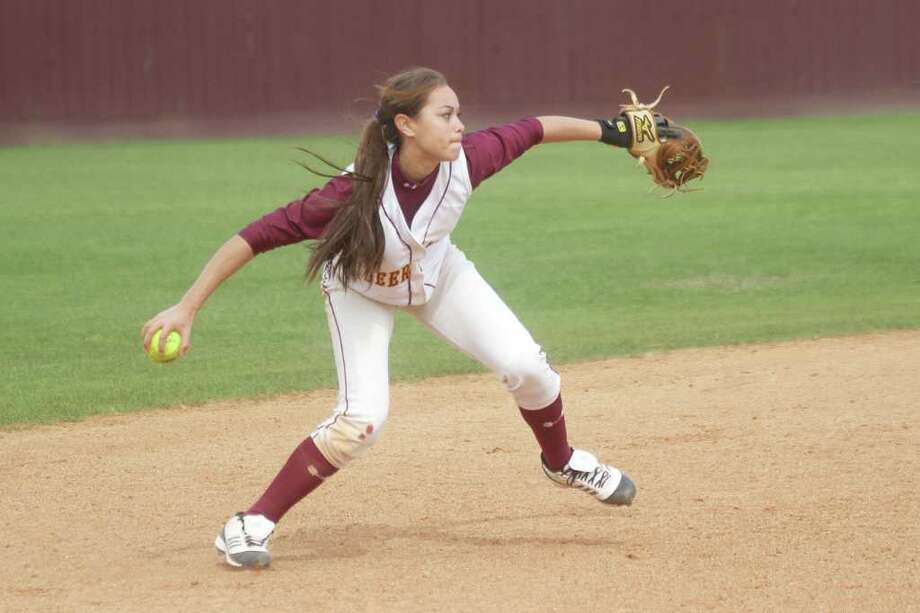 Dear Park's Haley Harrison makes a throw across the infield during a recent game. Photo: Pin Lim / Copyright Pin Lim.