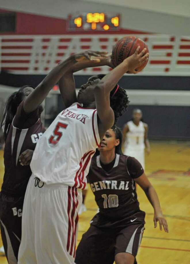 Girls basketball second teamJordan Hosey (in white), forward, Manvel Photo: L. Scott Hainline / For The Chronicle