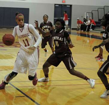 Manvel sophomore Brianna Turner, No. 11, during a home win against Beaumont Central early in the season. Photo: L. Scott Hainline / For The Chronicle