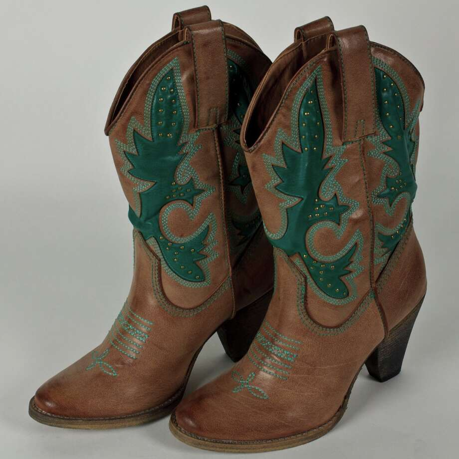 gllook: Western boots, $70, from Charming Charlie. Photo: Charming Charlie