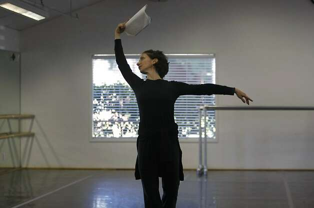 Joanna Berman dances with notes in head as an example for the other ballet dances. Joanna Berman, formerSan Francisco Ballet Principal Dancer, is staging a duet from Christopher Wheeldon's work Mercurial Manoeuvres on Diablo Ballet. Photo: Sean Culligan, The Chronicle