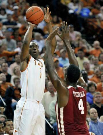 Texas guard Sheldon McClellan led all scorers with 24 points in the Horns' victory. Photo: AP