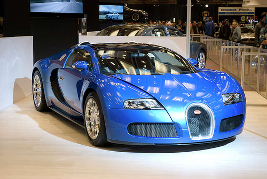 Bugatti Veyron won't make any list for the top fuel economy cars. This luxury car gets 10 combined mile per gallon.  (Robert Scott Photograph.ca / Flickr)