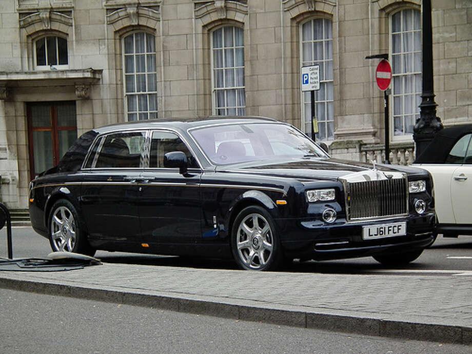Rolls-Royce Phantom EWB gets a mere 14 combined miles per gallon.  (Kenjonbro / Flickr)