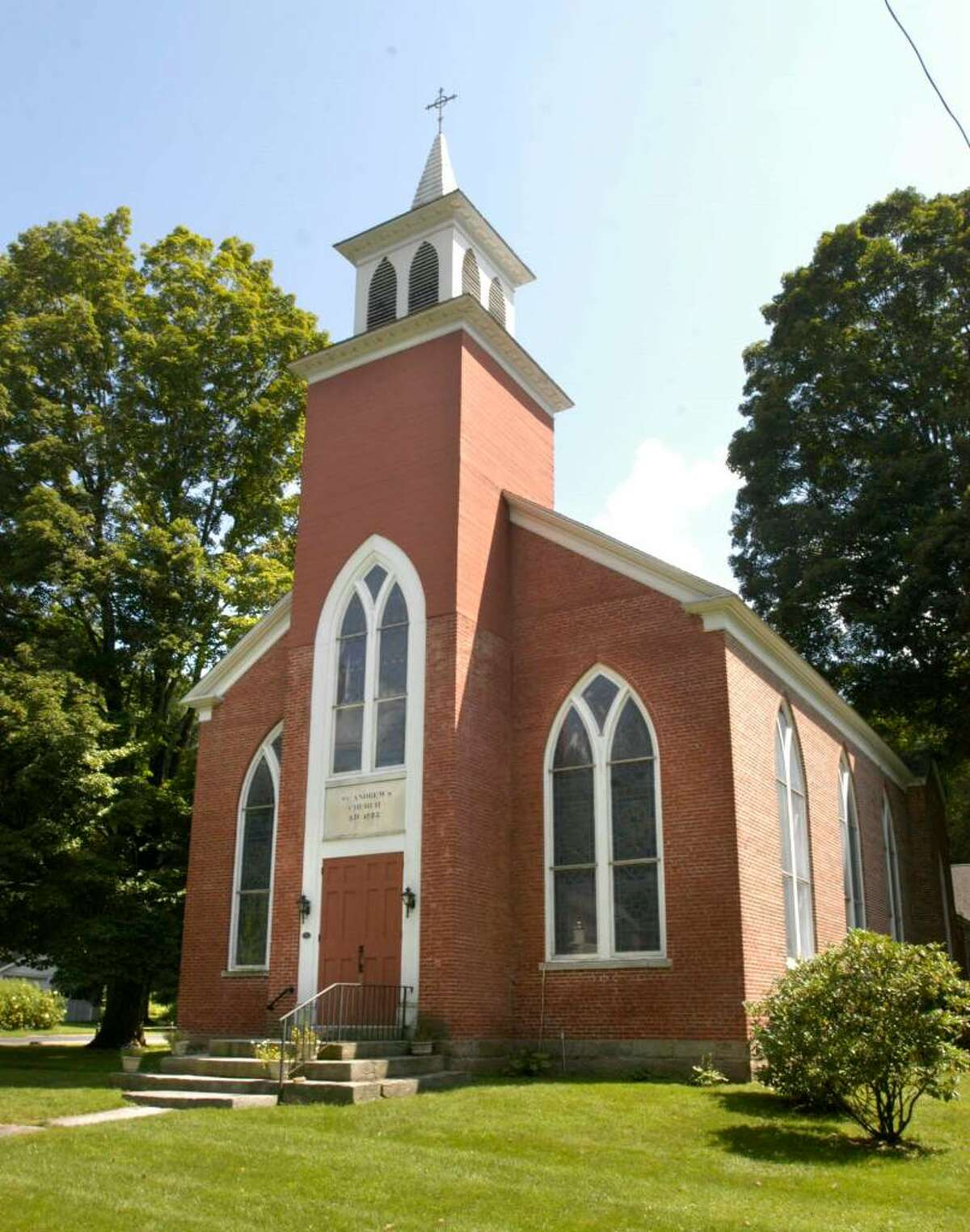 St. Andrew's Episcopal Church, 247 New Milford Turnpike (Route 202) in Marble Dale (Washington,CT) Photo taken August 25, 2009