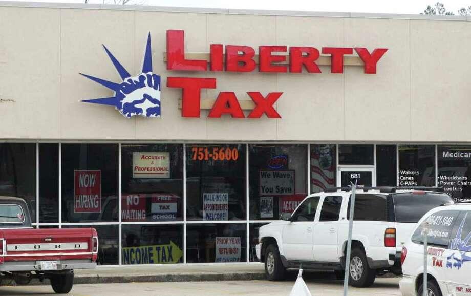 Liberty Tax Service, Lumberton Photo: David Lisenby, HCN_Liberty