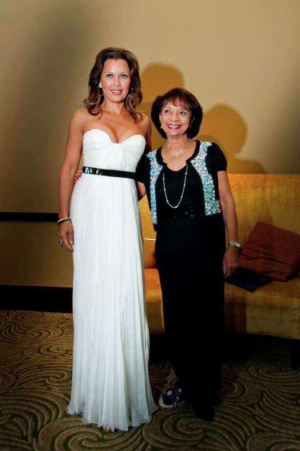 society:  Vanessa Williams and her mother, Helen Williams, at the HCC gala. Photo: Grady Carter