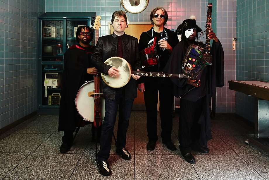 Bela Fleck and the Flecktones Photo: Big Hassle