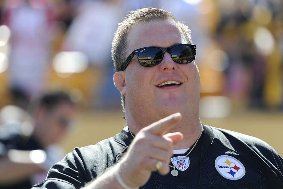Actor and Pittsburgh Steelers fan Billy Gardell watches warm ups before a football game between the Pittsburgh Steelers and Tennessee Titans Sunday, Oct. 9, 2011 in Pittsburgh.(AP Photo/Don Wright) Photo: Don Wright, Associated Press
