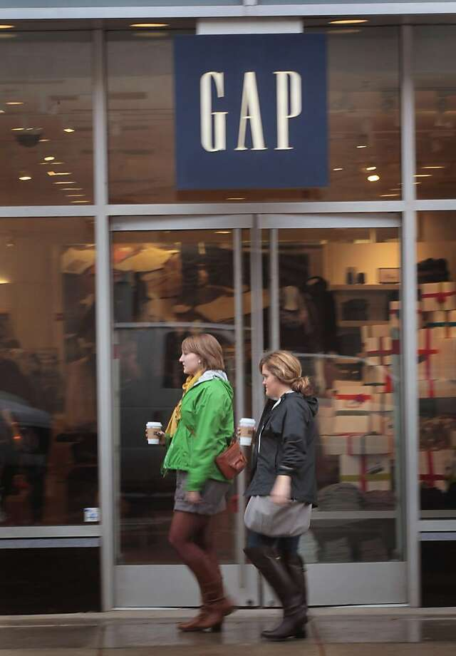 Revenue at Gap, Banana Republic and Old Navy stores in North America rose but declined abroad. Photo: Scott Olson, Getty Images
